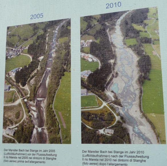 Der verbaute und eingeengte Mareiter Bach  2005 (vor der Revitalisierung) und der aufgeweitete, mäadrierende Mareiterbach 2010 (nach der Revitalisierung)